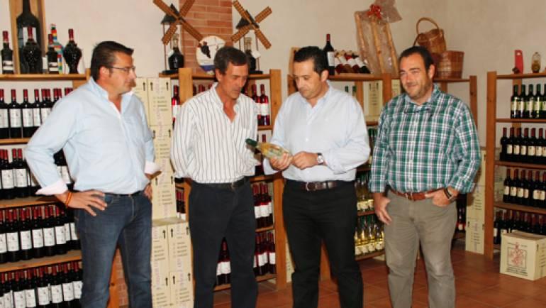 Antonio Lucas-Torres felicita a la Cooperativa